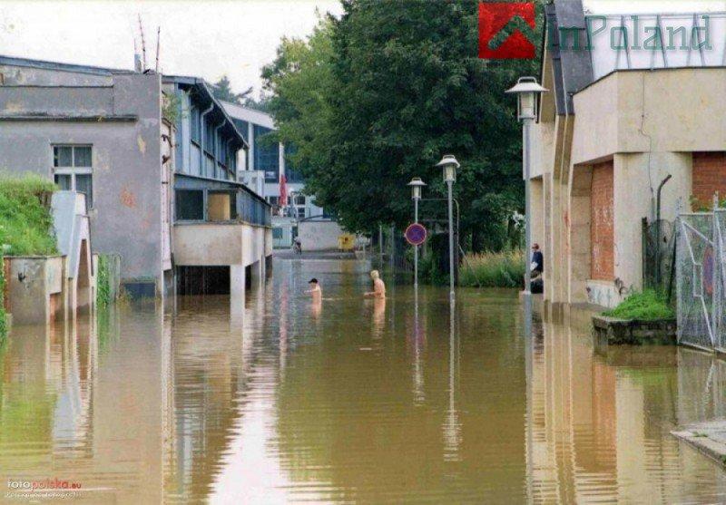 Вроцлаву продолжают угрожать наводнения
