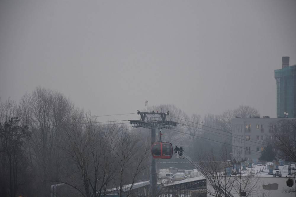 Во Вроцлаве авария на канатной дороге: 13 человек застрялo (ФОТО)