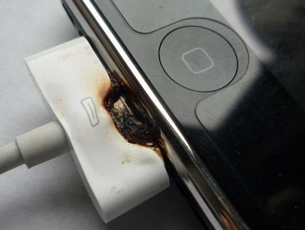 У вроцлавському трамваї вибухнув мобільний телефон