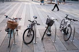 Во Вроцлаве возле железнодорожного вокзала установят велостойки