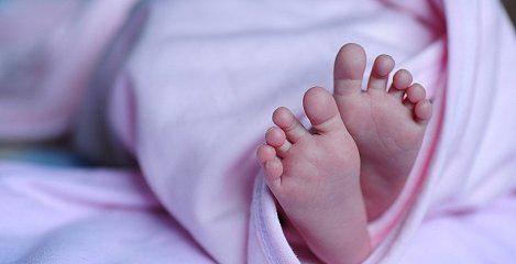 В Нижней Силезии  полиция арестовала пьяных родителей 6-дневного ребёнка