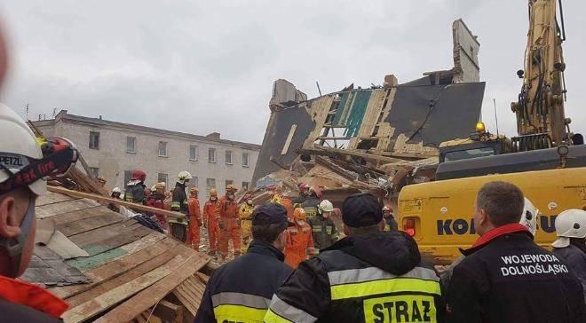 Семьям, пострадавшим в обрушении дома в Свебодице дадут материальную помощь