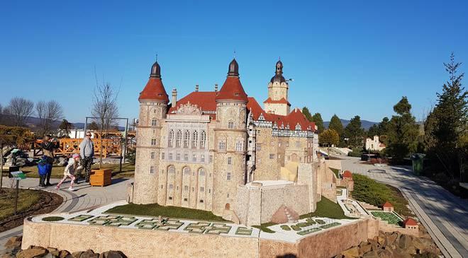 Парк миниатюр, крепость и необычный мост. Узнай, что можно увидеть не далеко от Вроцлава (+ФОТО)