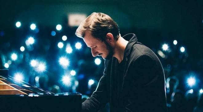 У Вроцлав приїжджає найяскравіший неокласичний піаніст України