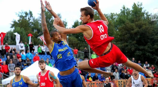 В центре Вроцлава на выходных  сыграют в пляжный гандбол