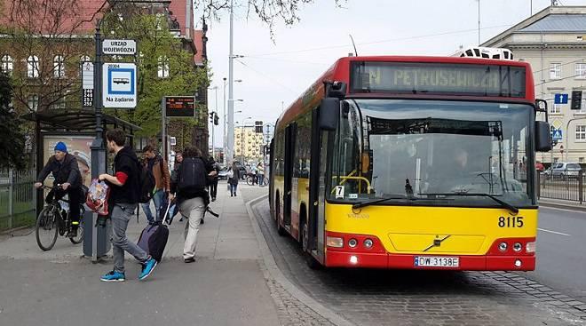У Вроцлаві скасують фіксовані автобусні зупинки