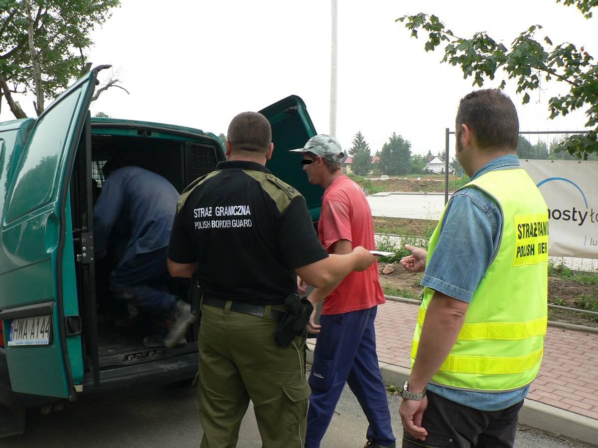 В Легнице задержали 18 украинцев работавших «на черно»