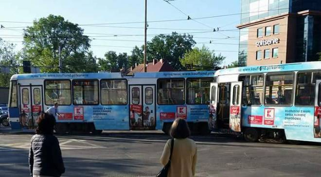 Во Вроцлаве трамвай сошёл с рельсов