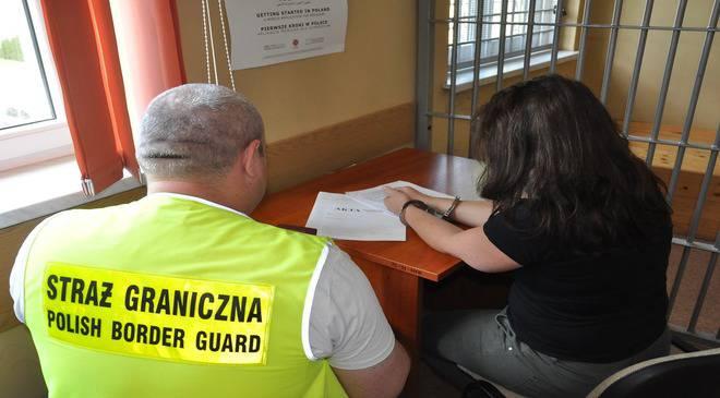 В Еленей Гуре задержали 8 украинцев, работающих «на черно»
