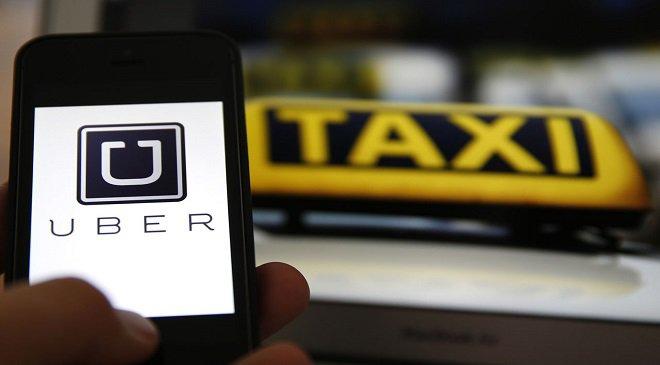 Таксі чи Uber?.. Таксисти у Вроцлаві протестують