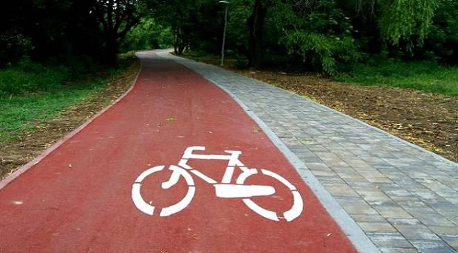 Нова інвестиція на вул. Тарнограйській — буде тротуар та велодоріжка