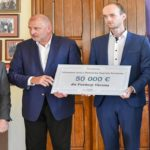"""Президент Вроцлава подарував фундації """"Україна"""" 50 тис. євро"""
