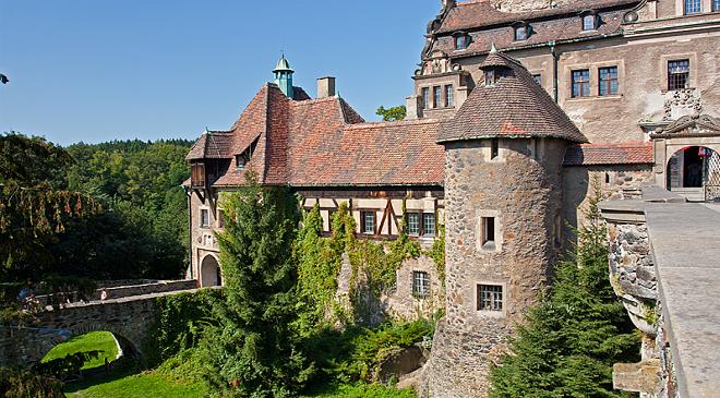 Туристи в Нижній Сілезії знищили гармати на замку Чоха