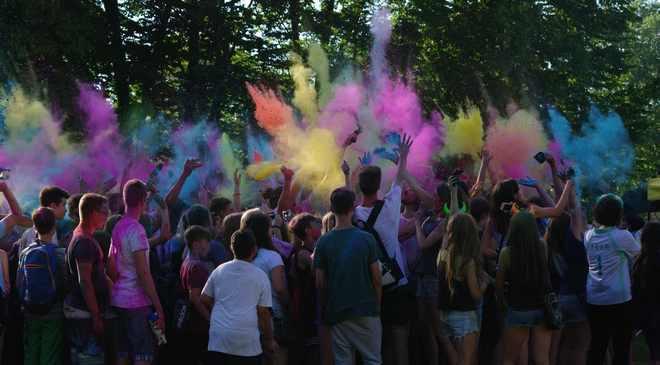 Во Вроцлаве на фестивале можно было испачкаться краской (ФОТОГАЛЕРЕЯ)