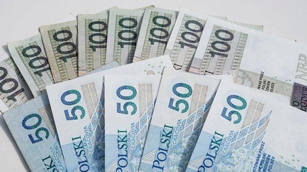 В Польше планируют поднять минимальную заработную плату