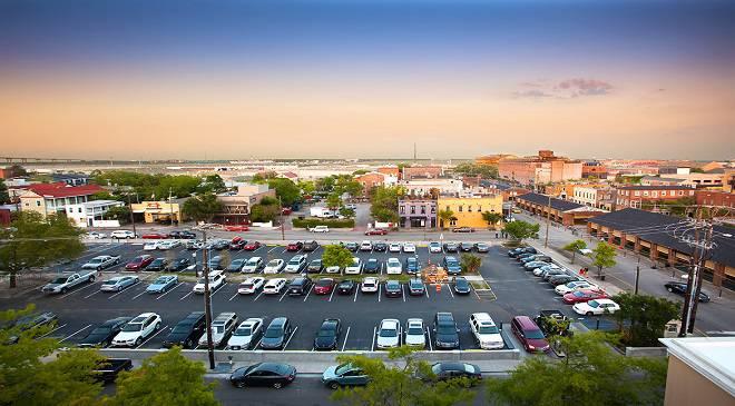 У Вроцлаві розгорнулась дискусія щодо нових парковок