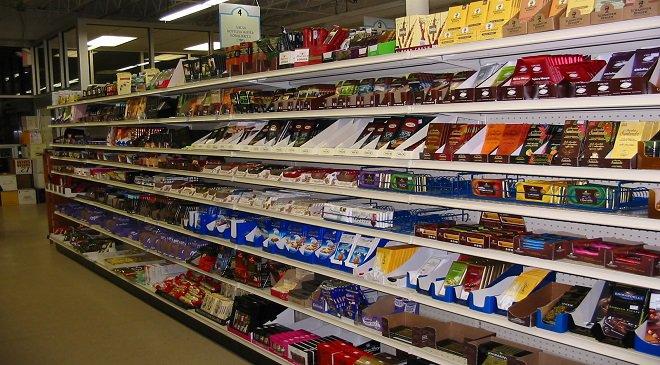 Чоловік в Легніці хотів вкрасти 3 шоколадки, а тепер сяде на 15 років