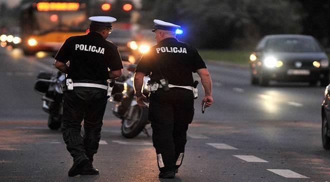 П'яний водій в Глогуві ледь не переїхав поліціянта