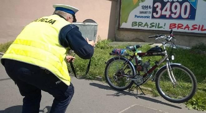 Нижня Сілезія: двоє п'яних і один моторолер
