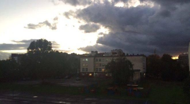Ураган во Вроцлаве: падающие деревья, отключения света, и первые пострадавшие (ОБНОВЛЯЕТСЯ+ ФОТО)