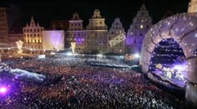 У Вроцлаві завершується будівництво Новорічної сцени