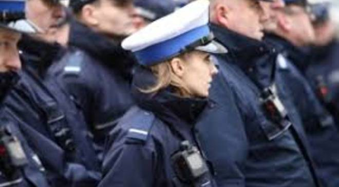 Від сьогодні уніформи Вроцлавської поліції будуть оснащені  відеокамерами
