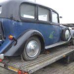 Унікальний Rolls-Royce застряг на кордоні