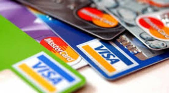 """Нижня  Сілезія: злодій """"попався"""", коли в магазині розплачувався готівкою з поцупленої картки"""