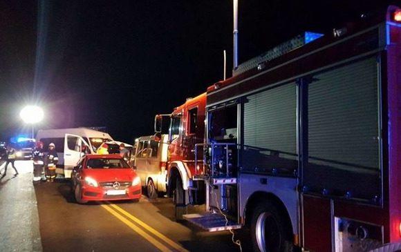 Пожежа на автостоянці у Вроцлаві: вщент згоріло 9 транспортних засобів