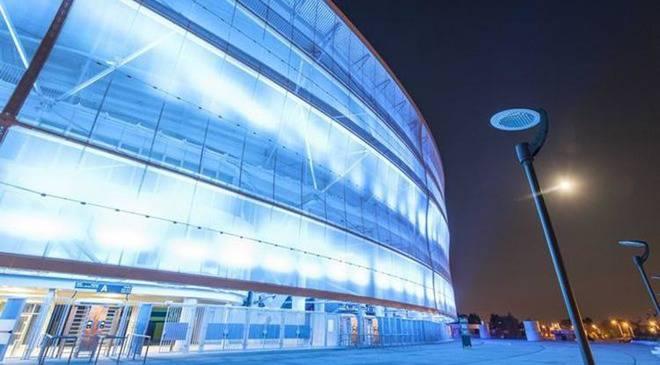 Будинки Вроцлава засяють синіми кольорами