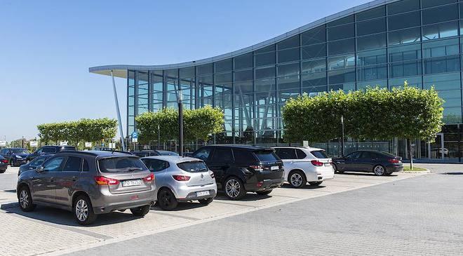 Аеропорт Вроцлава матиме нову автостоянку