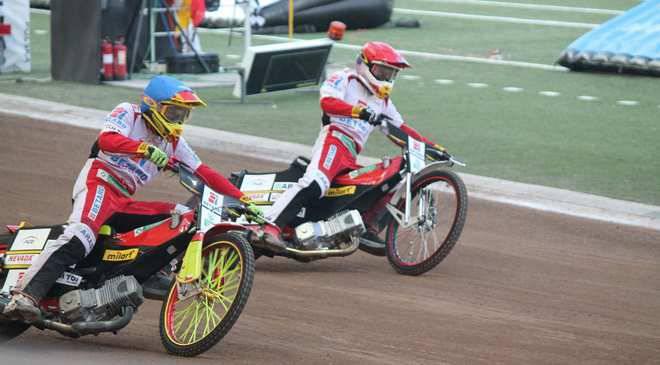 «Спарта» Вроцлав выигрывает мотогонку у Falubaz (+ФОТООТЧЕТ)