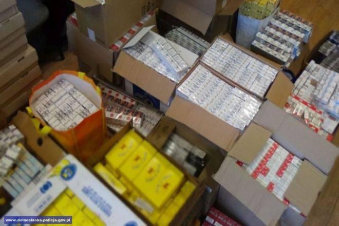 У Вроцлаві затримали контрабандиста, що перевозив 330 тис сигарет  без акцизних марок