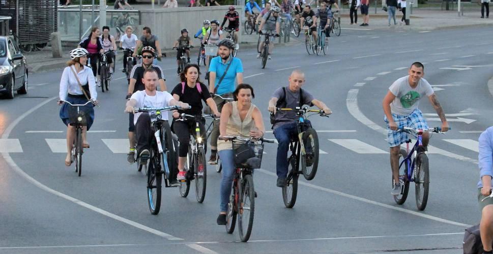 Вроцлав: велопробіг і додаткова лінія громадського транспорту для глядачів змагання зі спідвею