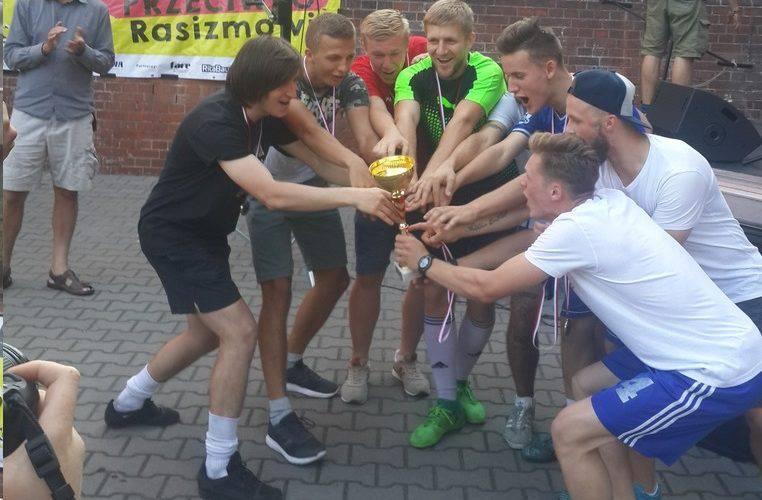 Днепр забрал кубок Х футбольного турнира «Стоп Расизм»