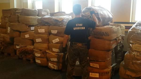 У Нижній Сілезії затримали контрабанду тютюну загальною вартістю у понад один мільйон злотих
