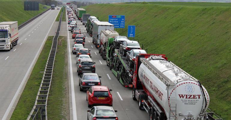 Аварія на автостраді A4. Постраждало двоє осіб