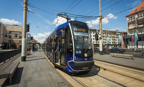У Вроцлаві агресивний пасажир трамвая розмахував ножем та погрожував оточуючим