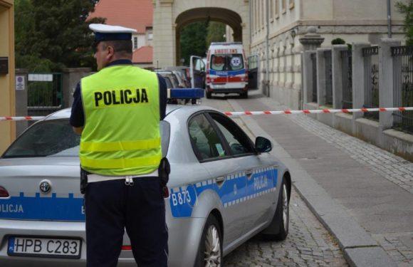 Нижня Сілезія: під час сварки розлючений чоловік вдарив свою колишню дівчину ножем
