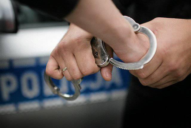 Нижня Сілезія: поліція розшукує чоловіка, який втік із поліцейського фургону в наручниках