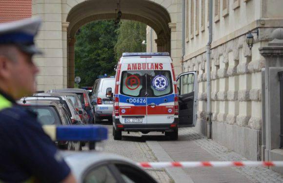 На зупинці у центрі Вроцлава раптово помер чоловік