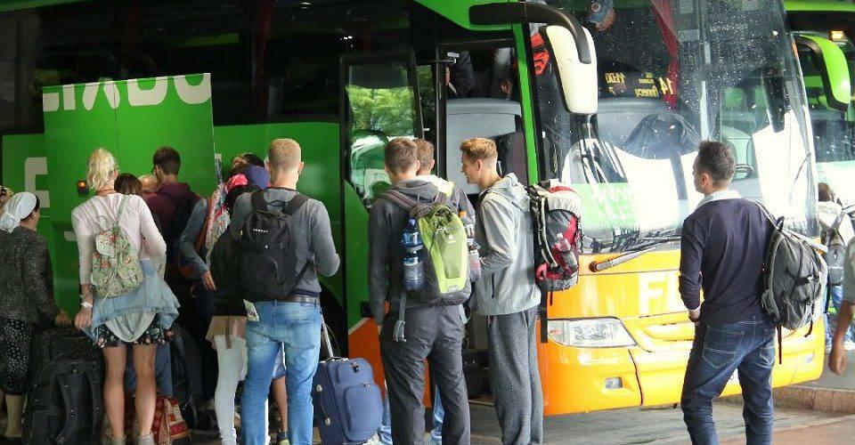 Автобусні рейси Україна-Польща: поїздки взимку доступні зі знижкою 60%
