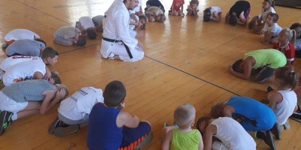 Нижня Сілезія: у Легниці дітей безкоштовно вчать основ самозахисту