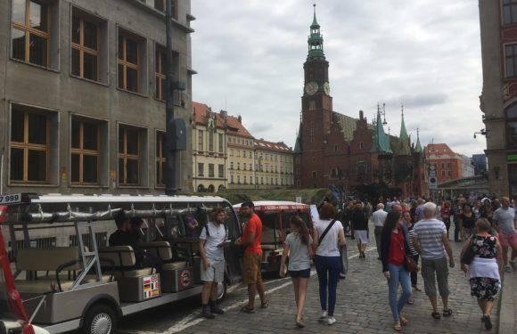 Как отмечают во Вроцлаве день польской армии (+ФОТО, +ВИДЕО)