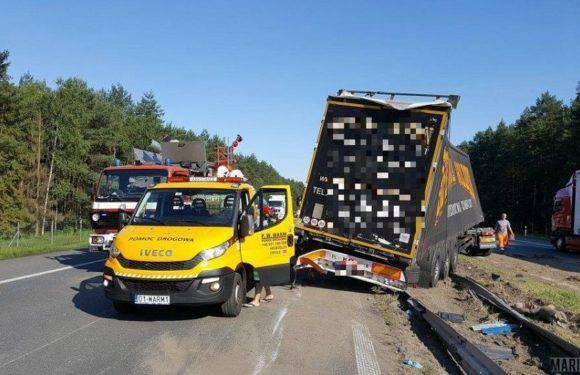 Нижня Сілезія: аварія двох вантажних автомобілів. A4 заблоковано в обох напрямках