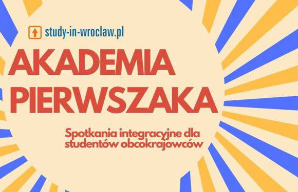 """""""Академія першокурсника"""" у Вроцлаві гуртує іноземних студентів. Разом краще!"""
