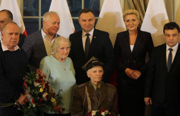 Президент Польщі приїхав до Вроцлава надати громадянство капітану АК з України (+ФОТО, +ВІДЕО)