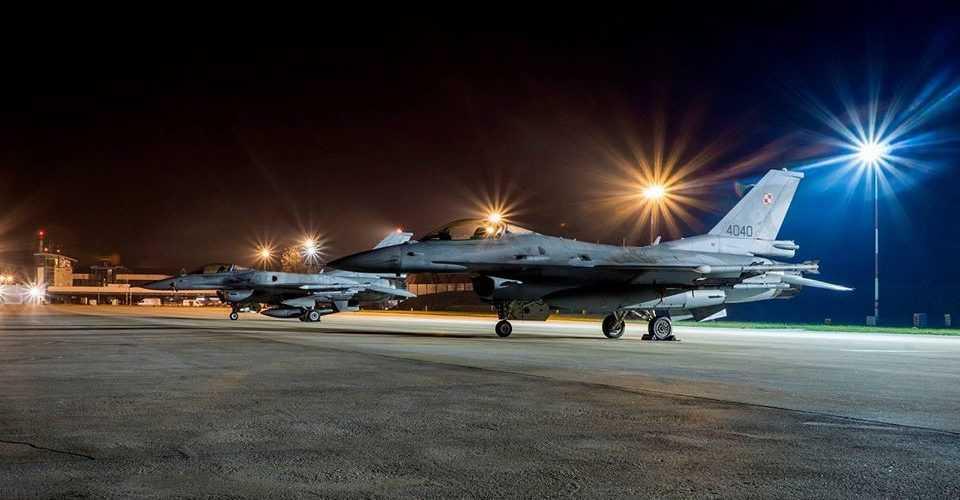 У Вроцлавському аеропорту здійснили посадку бойові американські винищувачі четвертого покоління F-16