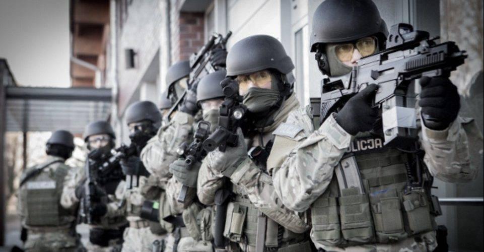 """Співробітники Центрального бюро розслідувань (CBŚP) """"підпортили"""" святковий настрій гангстерам з Вроцлава"""
