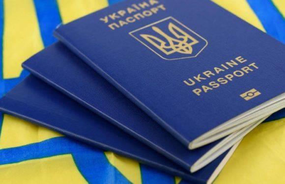 Українців на консульський облік у Варшаві ставитимуть за графіком